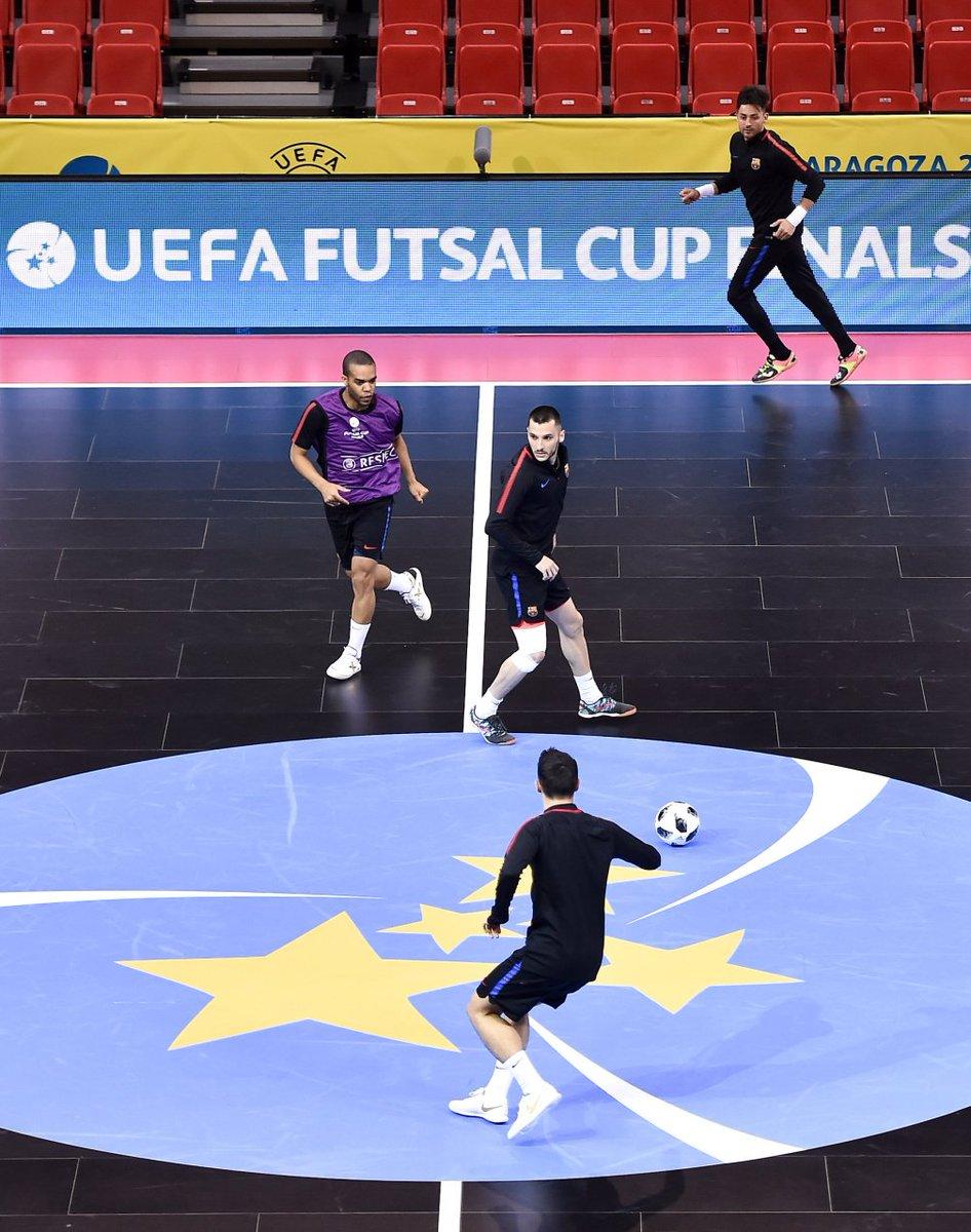 Salut à tous, Du #futsal de très haut niveau à voir en streaming ce soir sur le site de l'UEFA avec les deux demi-finales de la #FutsalCup à 18 heures et 21 heures Lien 😍▶️ https://t.co/y1EqNVQMAT