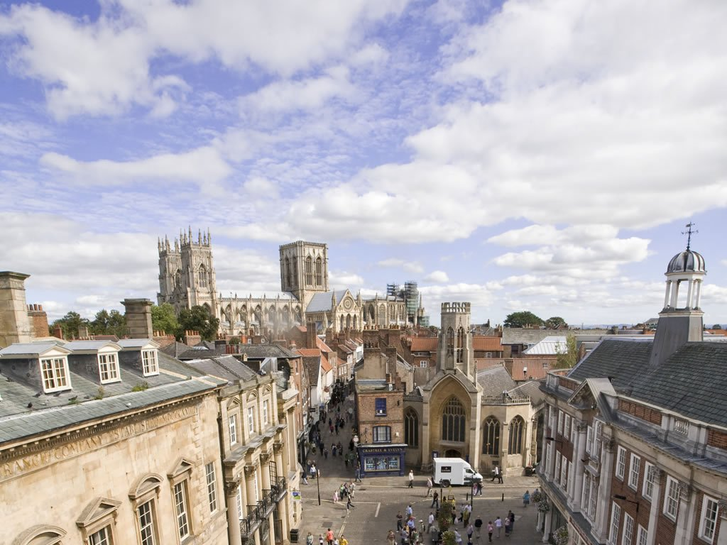 Here&#39;s a great view over the rooftops of the #historic city of #York looking towards @York_Minster from @VisitYork:<br>http://pic.twitter.com/VhERhzq9L8