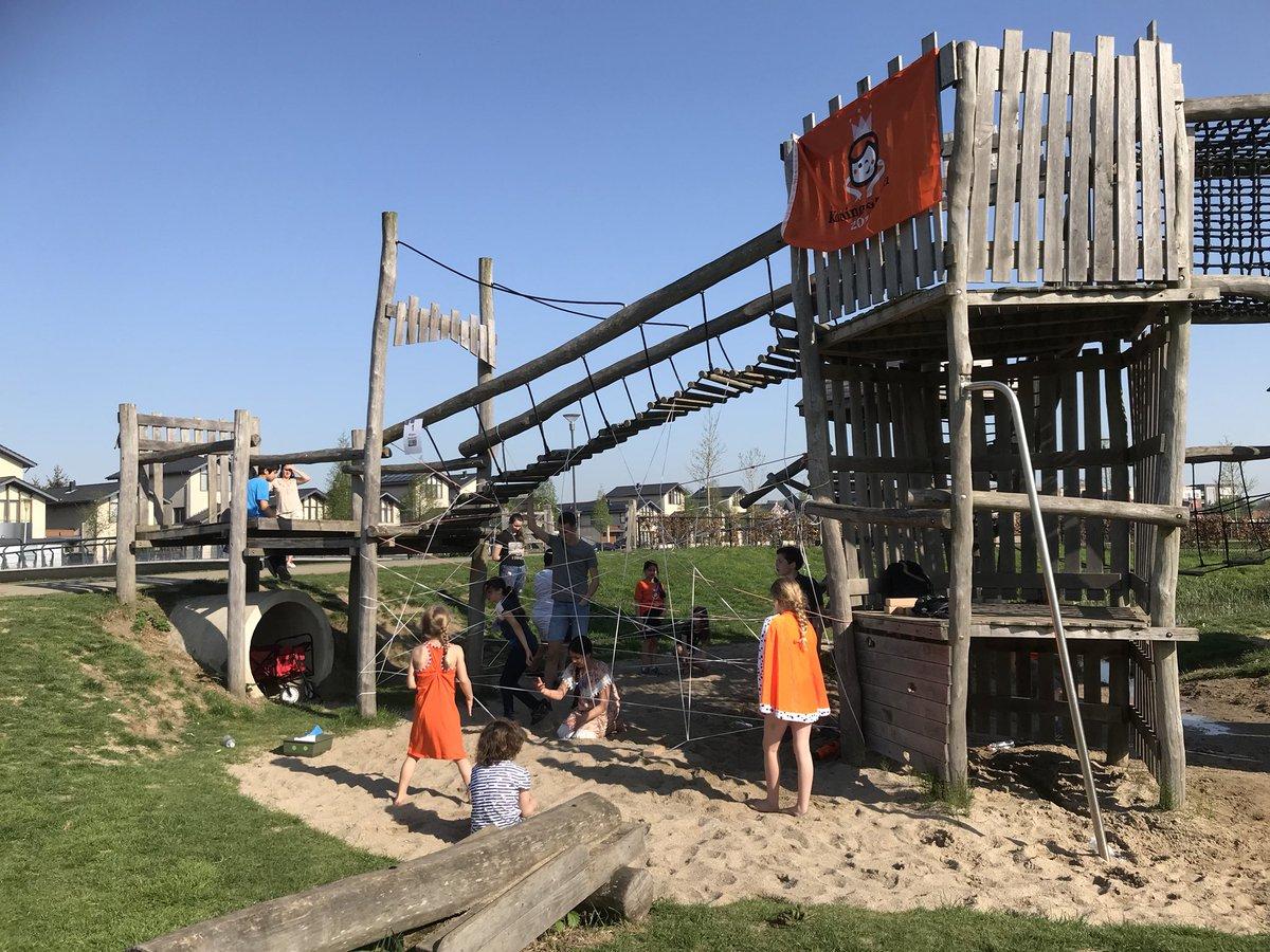 test Twitter Media - Basisschool De Fonkelsteen en @Walsprong van brede school De Waluwe genieten samen van de Koningsspelen 2018 https://t.co/ZVpfuTNHxg