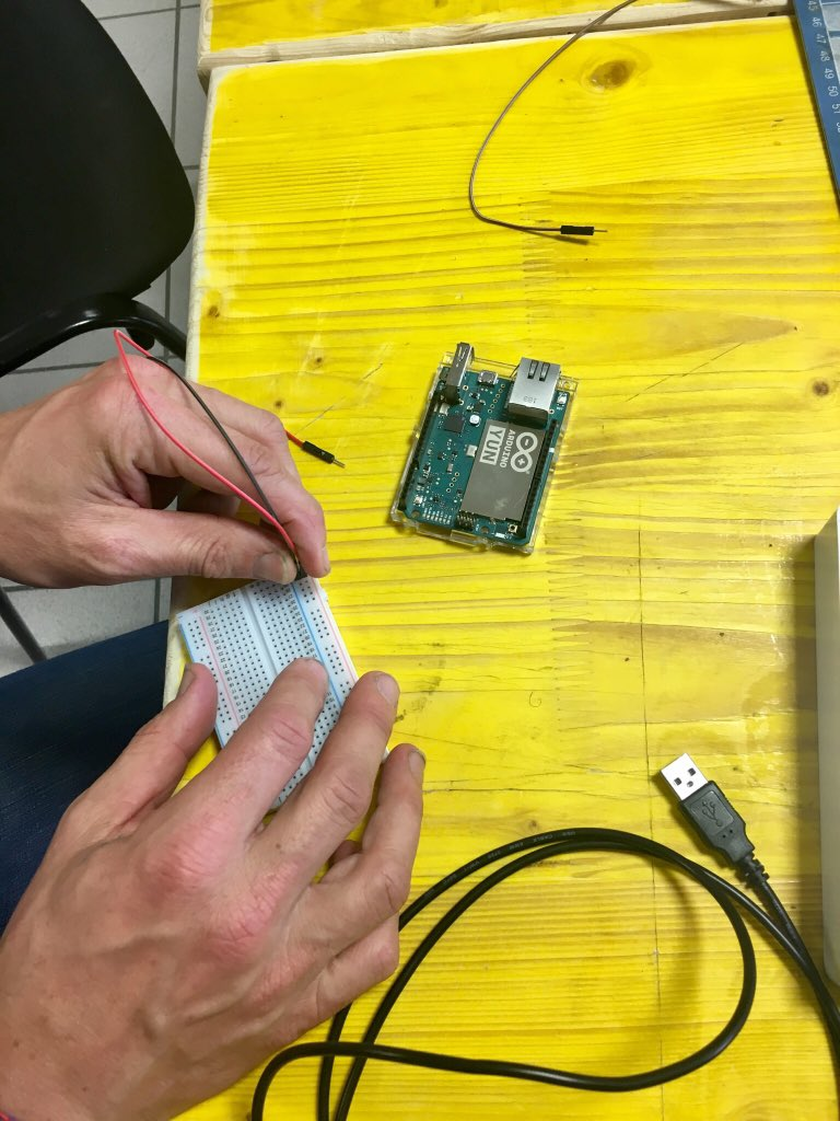 test Twitter Media - Preparing the boards, adding the resistors #@captor_air #building #opensensor for #ozone measuring #CitizenScience https://t.co/Ngg7f8Ee51