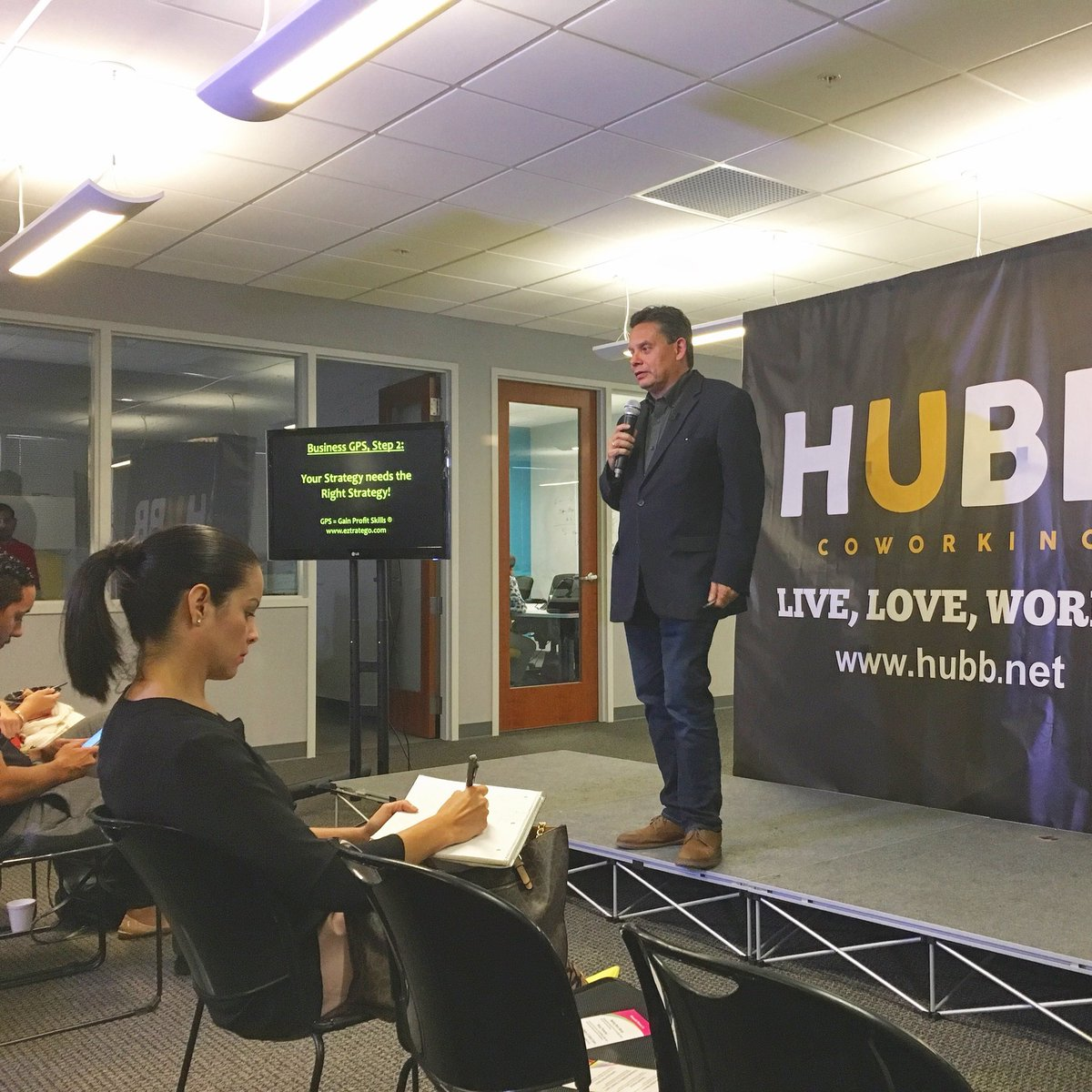 Had a great run yesterday at the #hubbcoworking weekly keynote weekly talk! Lots of young and talented #entrepreneurs #Miami is full of them!! Thanks @franco_aquino and @julioben7 for the kind invitation!!! Thanks to the #hubcoworking team !! #eztratego #Keynote #businesspic.twitter.com/ZfdBpZZFmv