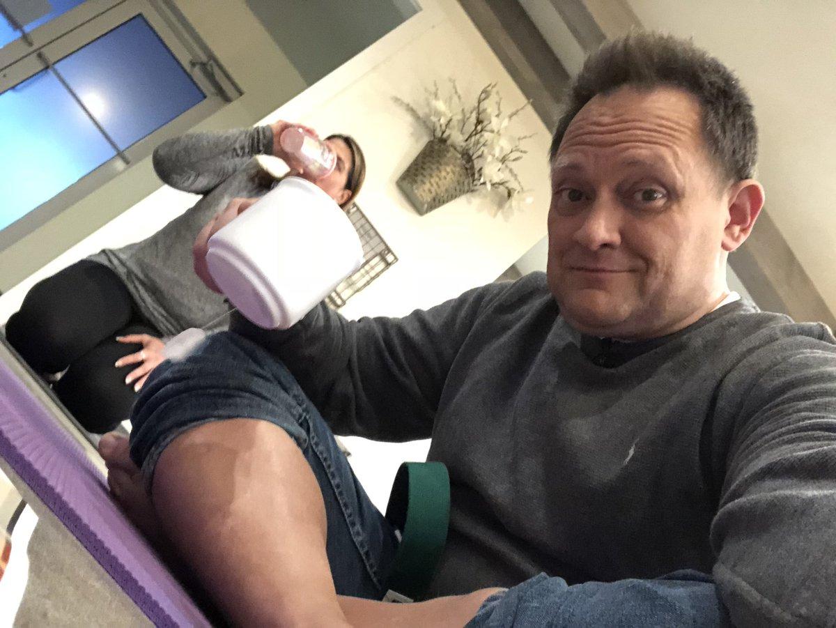 #N4TM Barefoot...on a yoga mat...sipping yogi tea...and liking it.  Who knew? @LauraKHettiger @ChrisNagusKMOV<br>http://pic.twitter.com/wIUtKqggSb