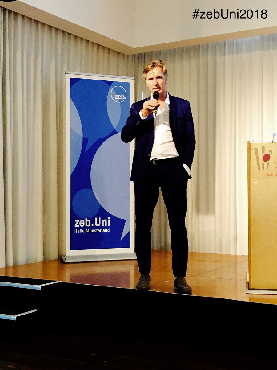 Welcome Michael from @Datarella at #zebUni2018 talking about #blockchain in #industry and #Banking<br>http://pic.twitter.com/36x1iQpxtl