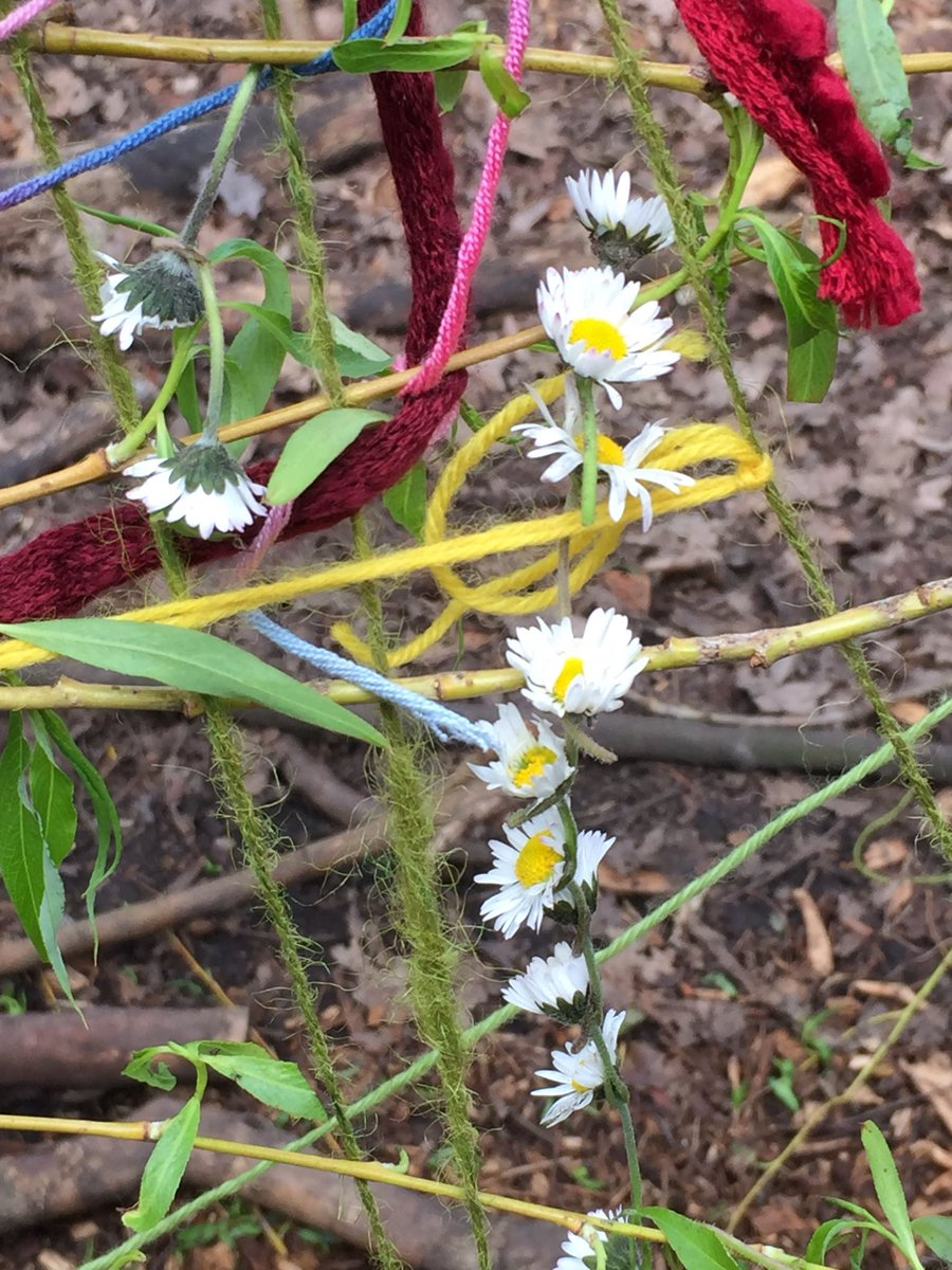 test Twitter Media - Beautiful daisy chains at FS. It's Spring! #gorseyfs #gorseyart @gorseyy5 https://t.co/Zp4UkYWjDR