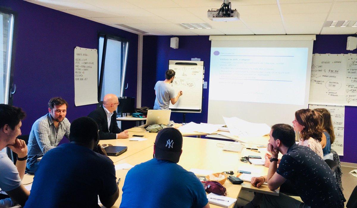 Formation Design Thinking aujourd'hui pour nos incubés et les #startups @CaenDev par @Fraboissel ! #innovation #Lancetonprojet https://t.co/HSxXbchEzY
