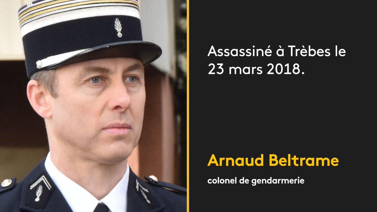 Il était sorti major de Saint-Cyr en 1999, où ses supérieurs avaient décelé un militaire  'qui se bat jusqu'au bout et n'abandonne jamais ', selon l'Elysée. Il est mort après s'être substitué à des otages auprès de l'assaillant du Super U de Trèsbehttps://t.co/SelDcpjxvDs
