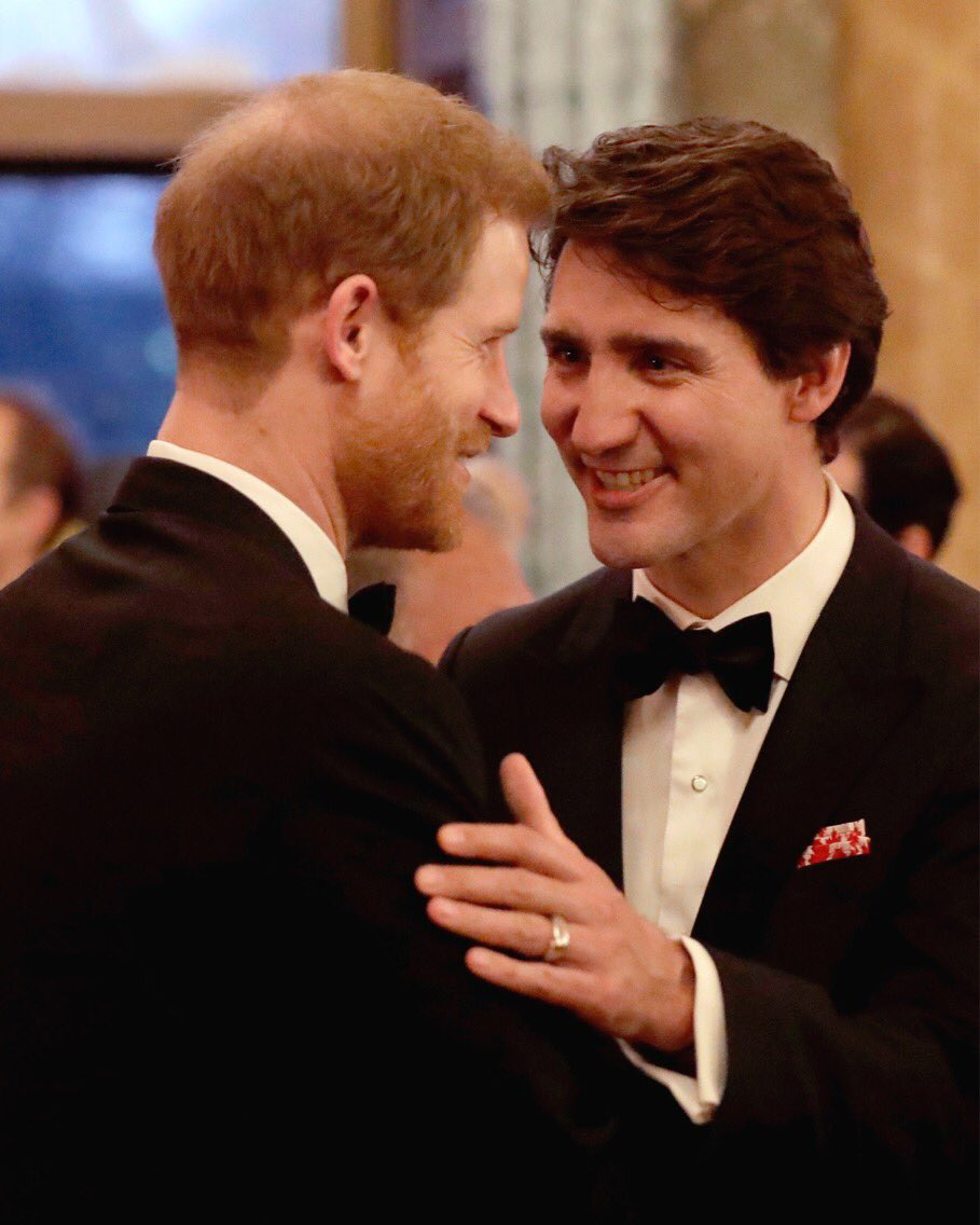 Last night The Duke of Cambridge and Prince Harry, pictured here with Canada PM @JustinTrudeau, joined The Queen for a dinner at Buckingham Palace for representatives and Heads of Government to celebrate the Commonwealth #CHOGM2018