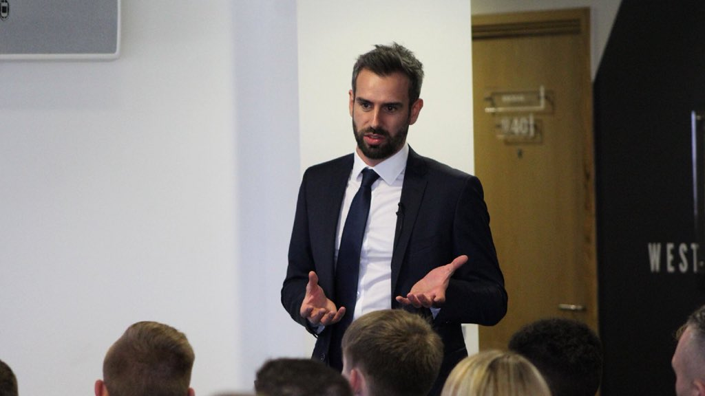 "💬 | ""Throughout the years, there has always been an Academy presence within the #LUFC team""   Academy Manager Adam Underwood opens the 2018 Scholars Day"