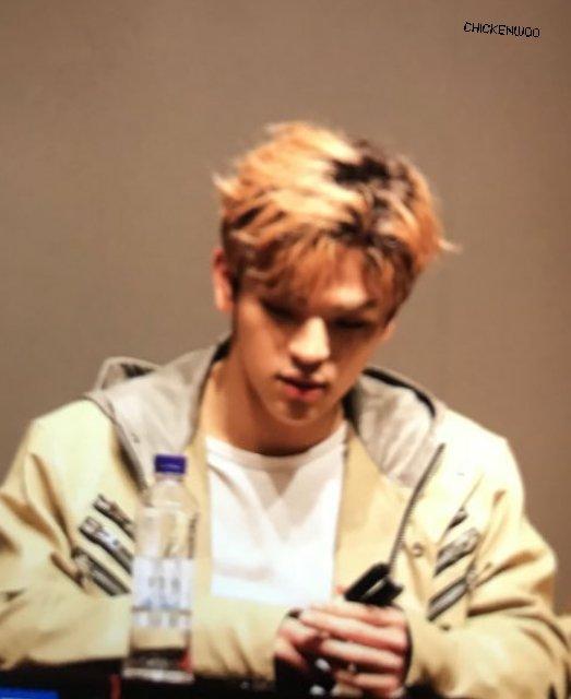 📷[PREVIEW] 180420 #Woojin en el Fansign...