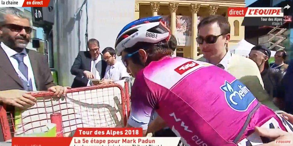 En finissant 6ème de létape, @ThibautPinot remporte le classement général du Tour des Alpes ! Sa plus belle victoire sur une course par étapes. 👏🇫🇷 #TotA