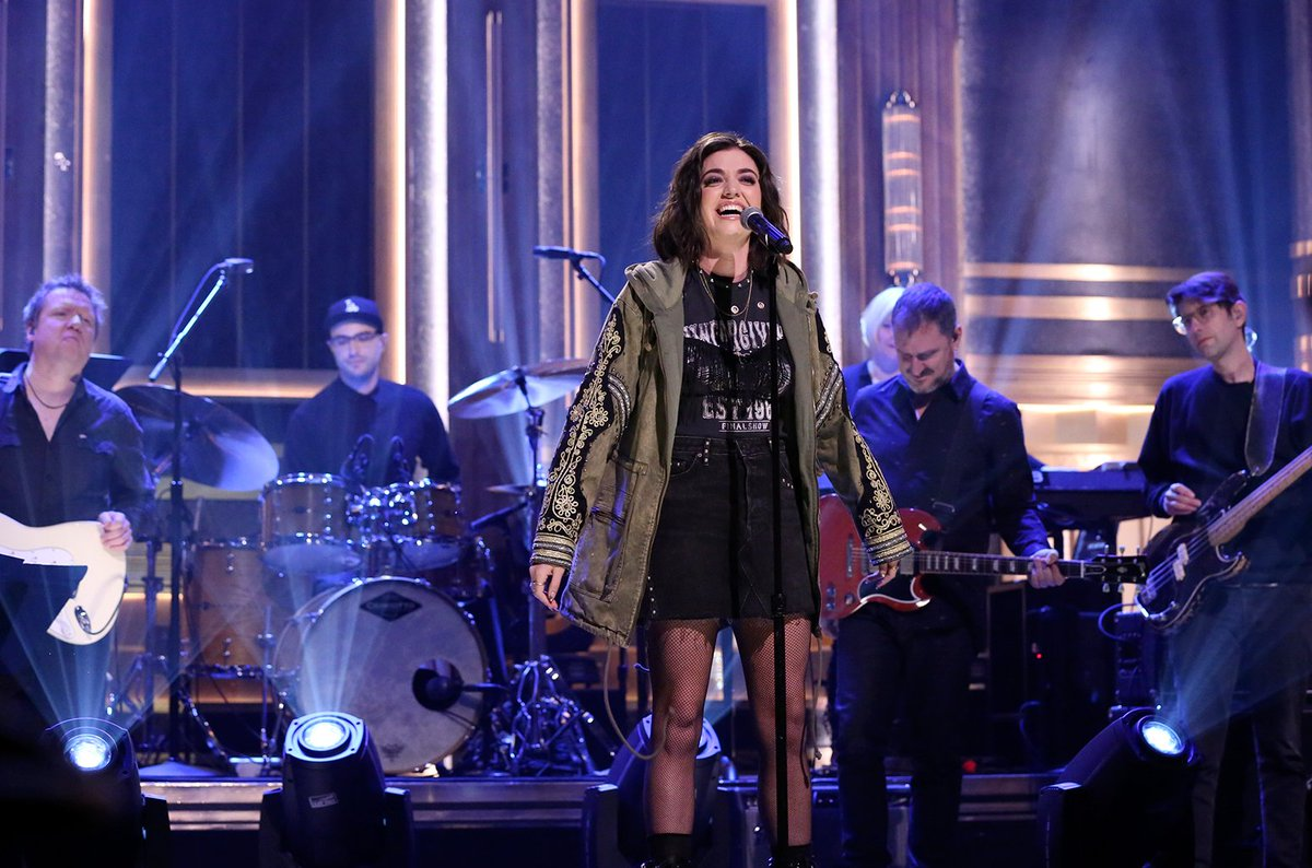 Tina Fey introduces Mean Girls musical performance and surprises superfans on #FallonTonight blbrd.cm/SMVvAD