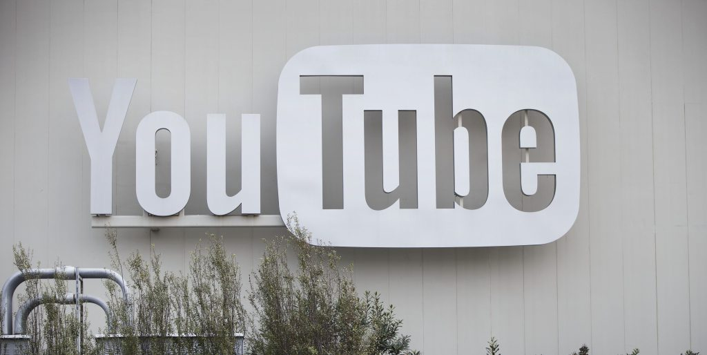 YouTube ads for hundreds of brands still running on extremist and white nationalist channels https://t.co/aN7Og9PgzB https://t.co/il4L5OBVA6