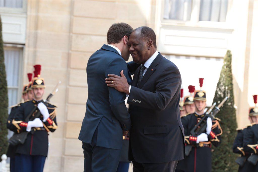 Le Pdt @adosolutions, s'est entretenu, ce 20 avril 2018, avec son homologue, , @EmmanuelMacronà l'Elysée sur les travaux du métro d'Abidjan, le Centre régional anti-terroriste et les questions internationales inscrites à l'ordre du jour du Conseil de sécurité des Nations unies.