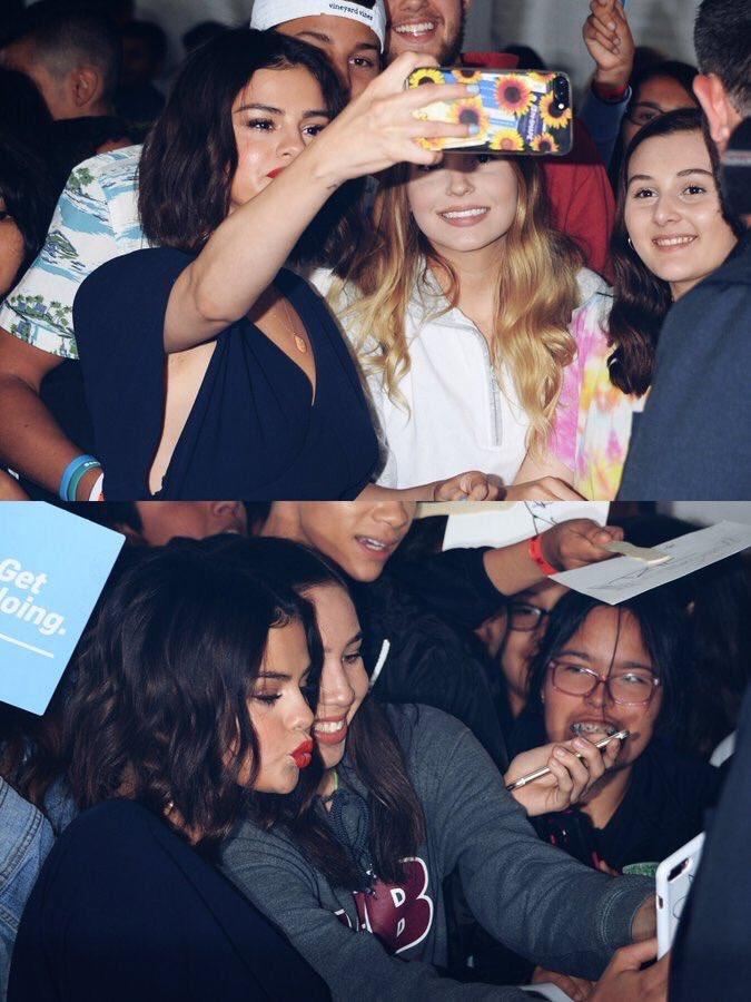 Selena + Selenators forever 💋 https://t....