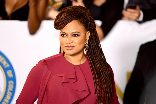 .@Ava DuVernay to Receive @GLAAD&#39;s Excellence in Media Award #glaadawards (Exclusive)  https:// goo.gl/h9AFrW  &nbsp;  <br>http://pic.twitter.com/DuzjsUrz8T