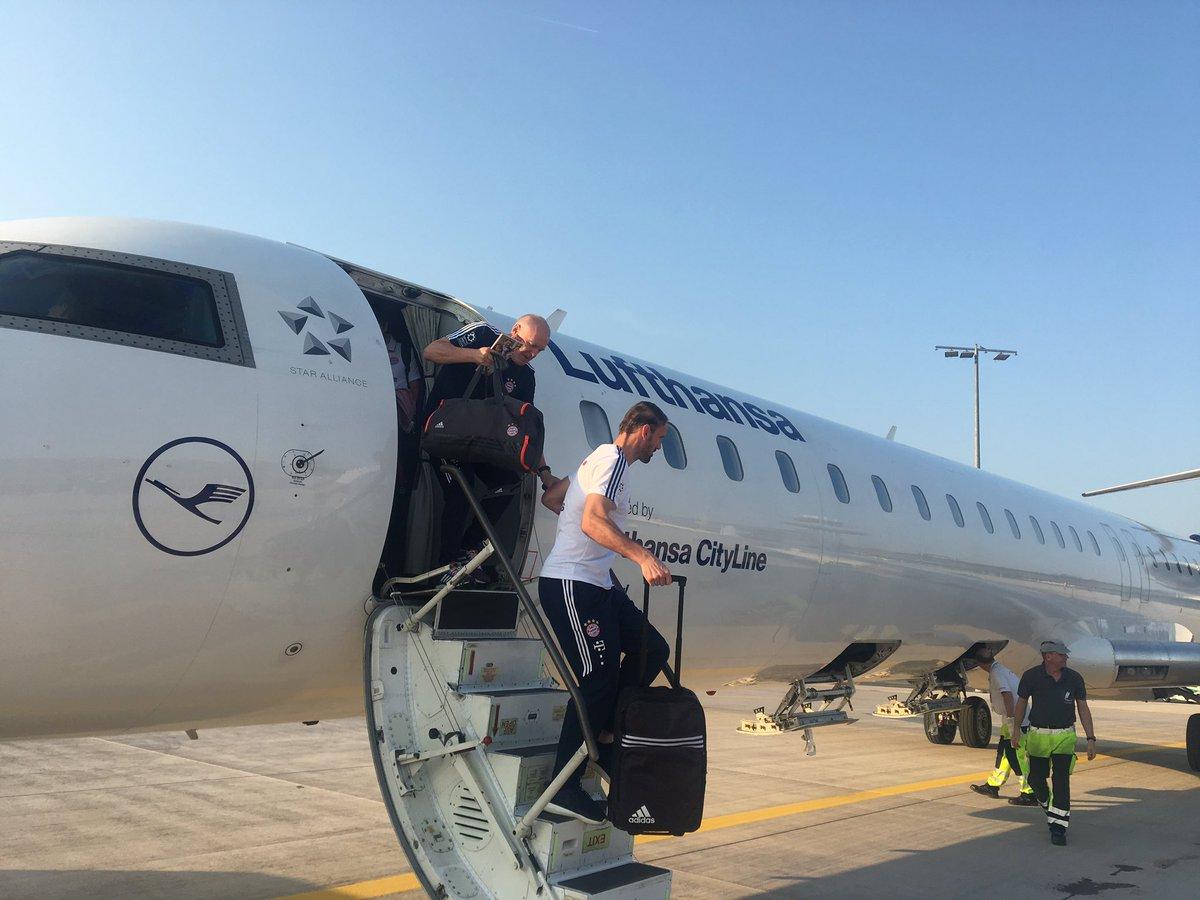 Landed! 👍 #H96FCB #packmas https://t.co/...
