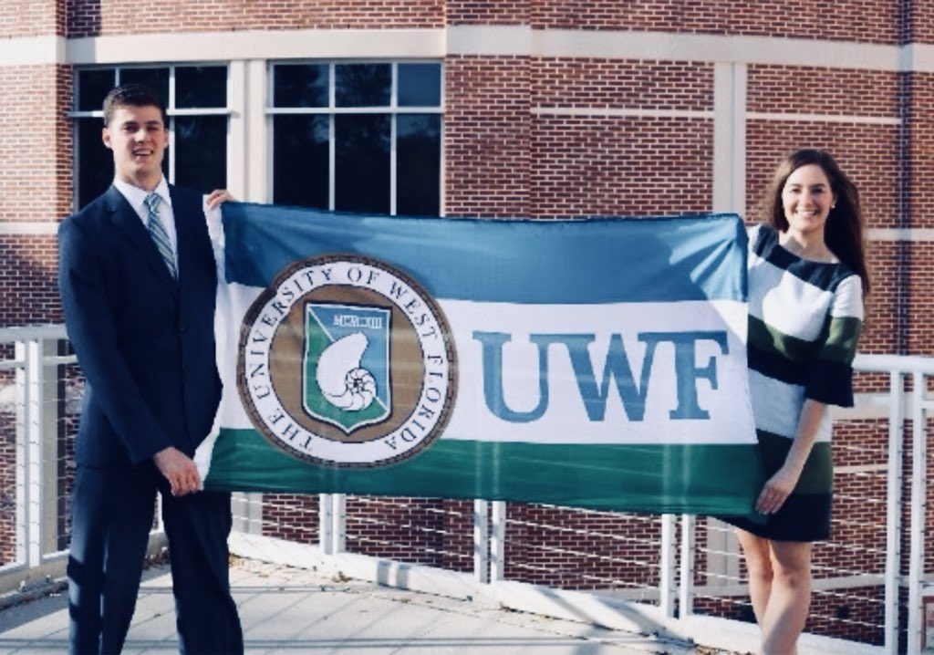 So proud of @its_abi_meggs for her #WomenRule piece featured by @politico about her experience running for student body president @UWF!  http:// bit.ly/AbiMegginson  &nbsp;   #ElectHer<br>http://pic.twitter.com/inMqgCNp5M