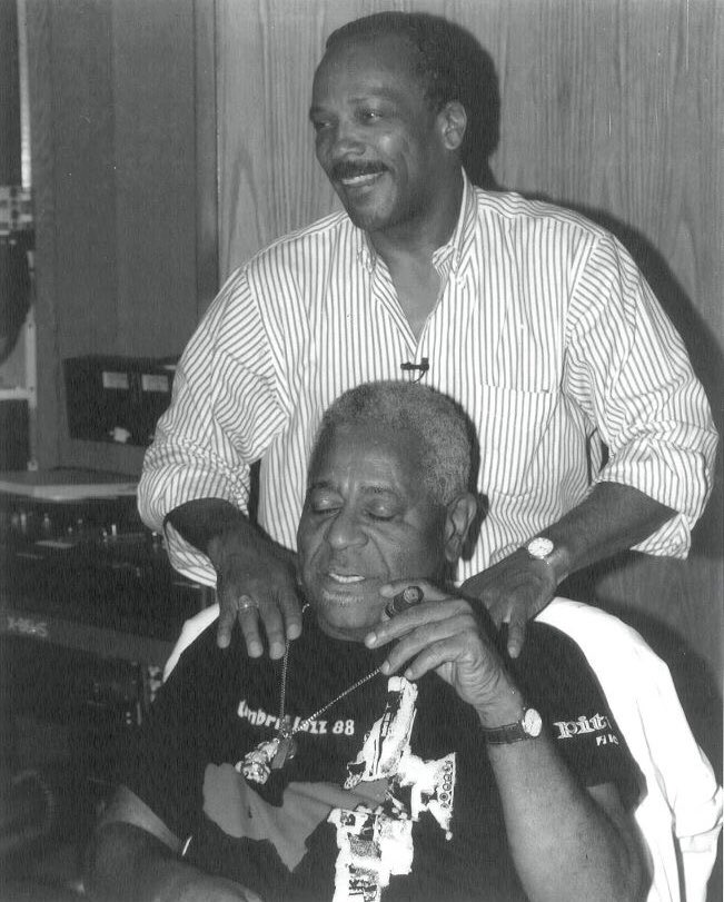 When u realize your mentor #DizzyGillespie was wearing an @UmbriaJazz_OFC Fest '88 shirt & ur going for the 1st time exactly 30 yrs later for ur own 85th bday celebration concert 😱 Umbria, if Dizzy ❤️'d u, I know I will too! Tickets to Q85 🎉 ➡️ bit.ly/UmbriaxQ85