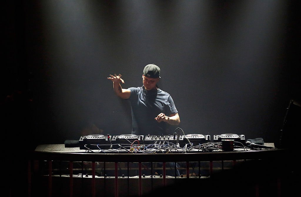 JUST IN: EDM star Avicii has died in Oman at 28, AP reports https://t.co/HLHb0SK9fa