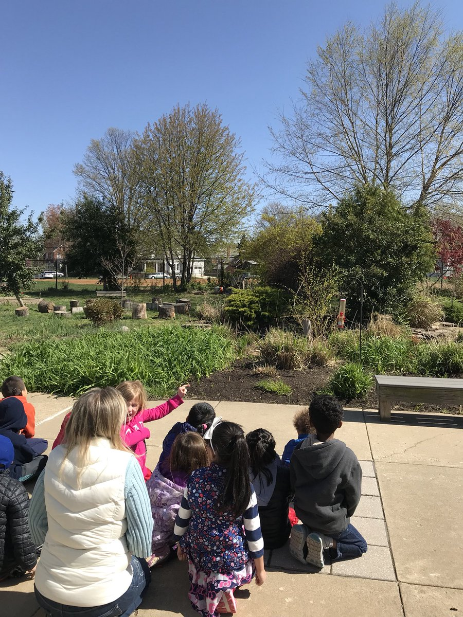 Quietly bird watching with <a target='_blank' href='http://twitter.com/SusanSpranger'>@SusanSpranger</a> on this chilly April day! Happy Friday! <a target='_blank' href='http://search.twitter.com/search?q=PHESbulldogs'><a target='_blank' href='https://twitter.com/hashtag/PHESbulldogs?src=hash'>#PHESbulldogs</a></a> <a target='_blank' href='https://t.co/iDrqQ5otLG'>https://t.co/iDrqQ5otLG</a>