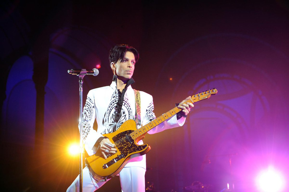 Prince 'tried to beat the s*** out of' Sinead O'Connor while on hard drugs, singer claims  https://t.co/gNOVpnfDyB