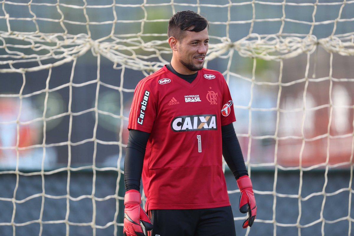 Diego Alves no treino de hoje (20/04). h...