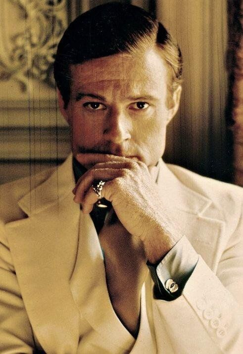 RT @PhotosHistos: Robert Redford dans The Great Gatsby, 1974 #histoire #cinema https://t.co/zVND4PWXQq