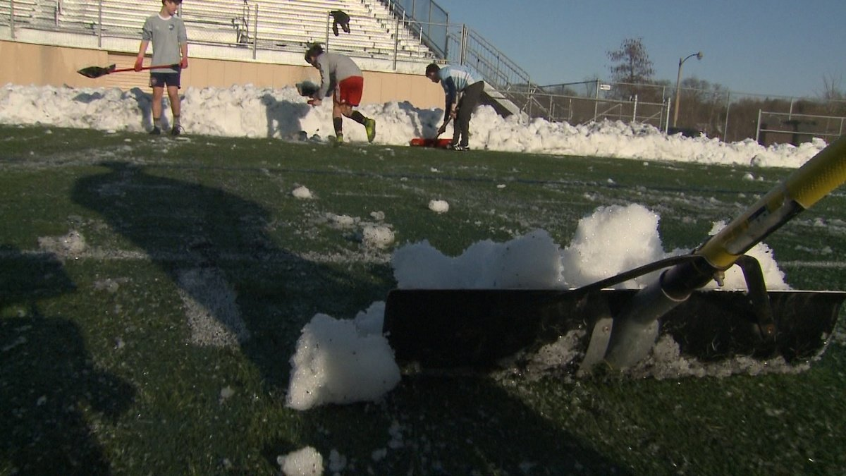 What a response! Volunteers turn out en masse to help Milwaukee soccer team https://t.co/OxacUAQ6u6