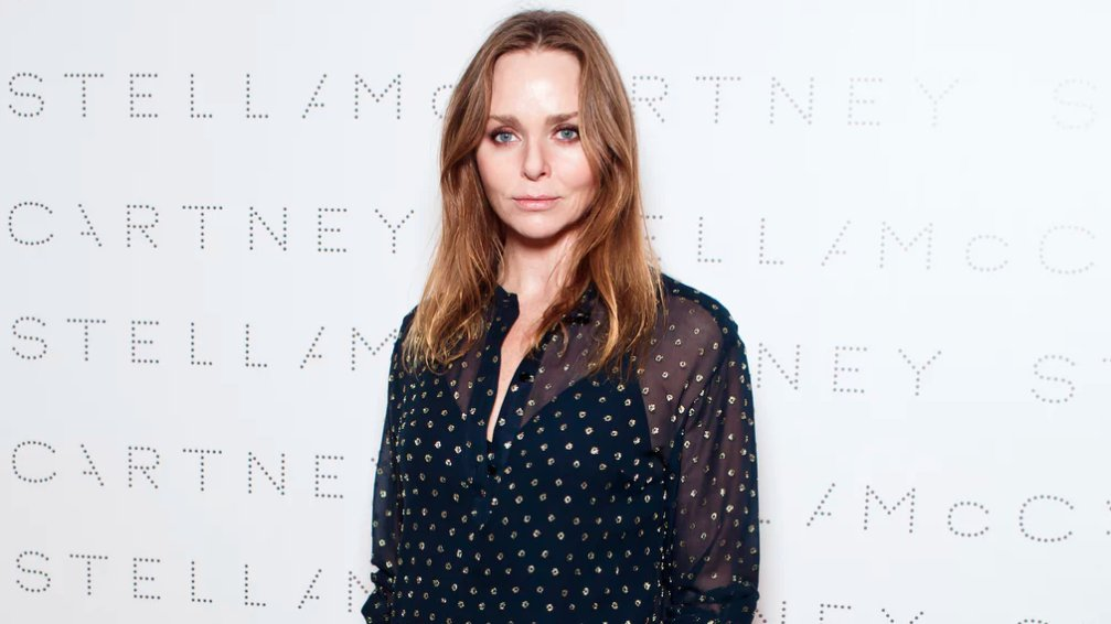 &quot;The current system the fashion industry relies on to make products is at best out of date, and at worst actively destroying the planet.&quot; - @StellaMcCartney calling for a paradigm shift  http:// ow.ly/CXA330jwH2Z  &nbsp;   #sustainability <br>http://pic.twitter.com/ndDih5I4pj