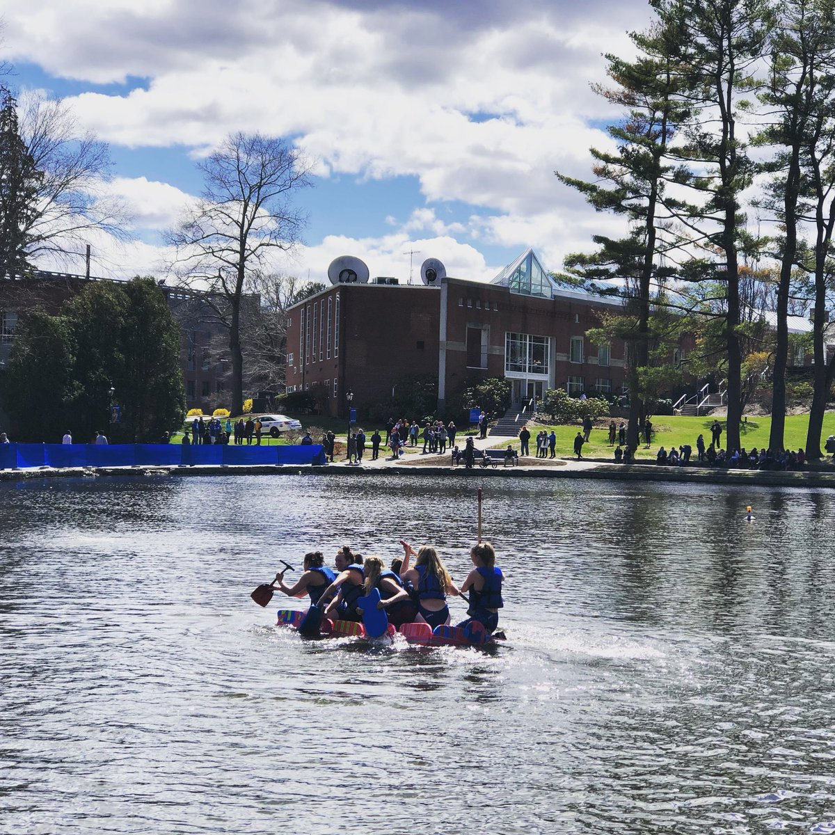 A favorite Wheaton tradition in the hearts of many students and alumni, the Head of the Peacock Regatta happened this afternoon. Check out our Instagram stories for highlights. https://t.co/2cCOLVzJm2 https://t.co/k9W2iiFIPS