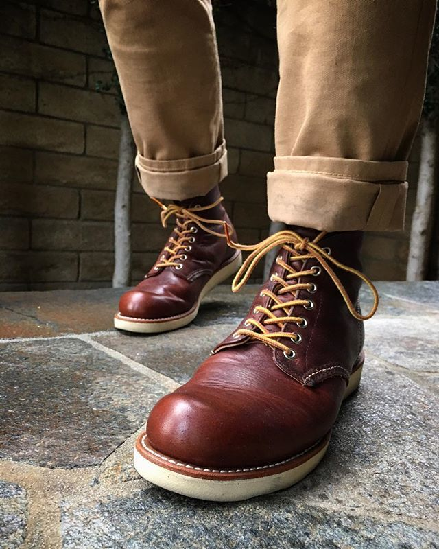twill and leather for the win • • • • • #mensfashion #menstyle #menswear #mensstyle #rugged #workwear #workboots #mensboots #cramertonarmycloth #armyclothandleather #leather #redwingshoes #redwingboots #redwingheritage #myredwings #redwing8196 #8…  https:// ift.tt/2qPSTNY  &nbsp;  <br>http://pic.twitter.com/7scFtoqnP6