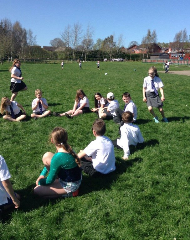 Year 5 enjoyed the lovely sunshine this afternoon! #teamgames #sunnydays