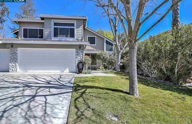 This beautiful home is closing early, over list price with 7 offers!!! 4508 Horseshoe Cir., Antioch If you are in the market to sell or buy, give me a call today! (925) 262-7702 #listings #closings #over #list #price #share #many #offers #DebbieAnthony #selling #buying #retweet<br>http://pic.twitter.com/kcFgdK38st