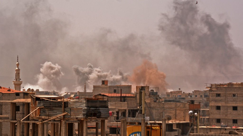 Syrie : bombardements intenses sur le dernier réduit de l'EI à Damas https://t.co/UZtn89XYzs