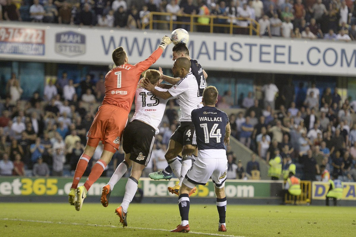 📸  All the action from Fridays night @SkyBetChamp encounter in our match gallery...  ➡️ bit.ly/2vBLho8  #Millwall 🦁