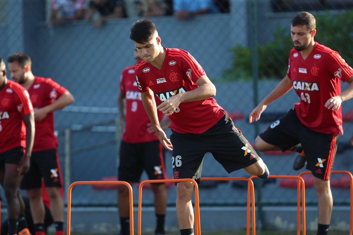 Thuler e Paquetá no treino de hoje (20/0...