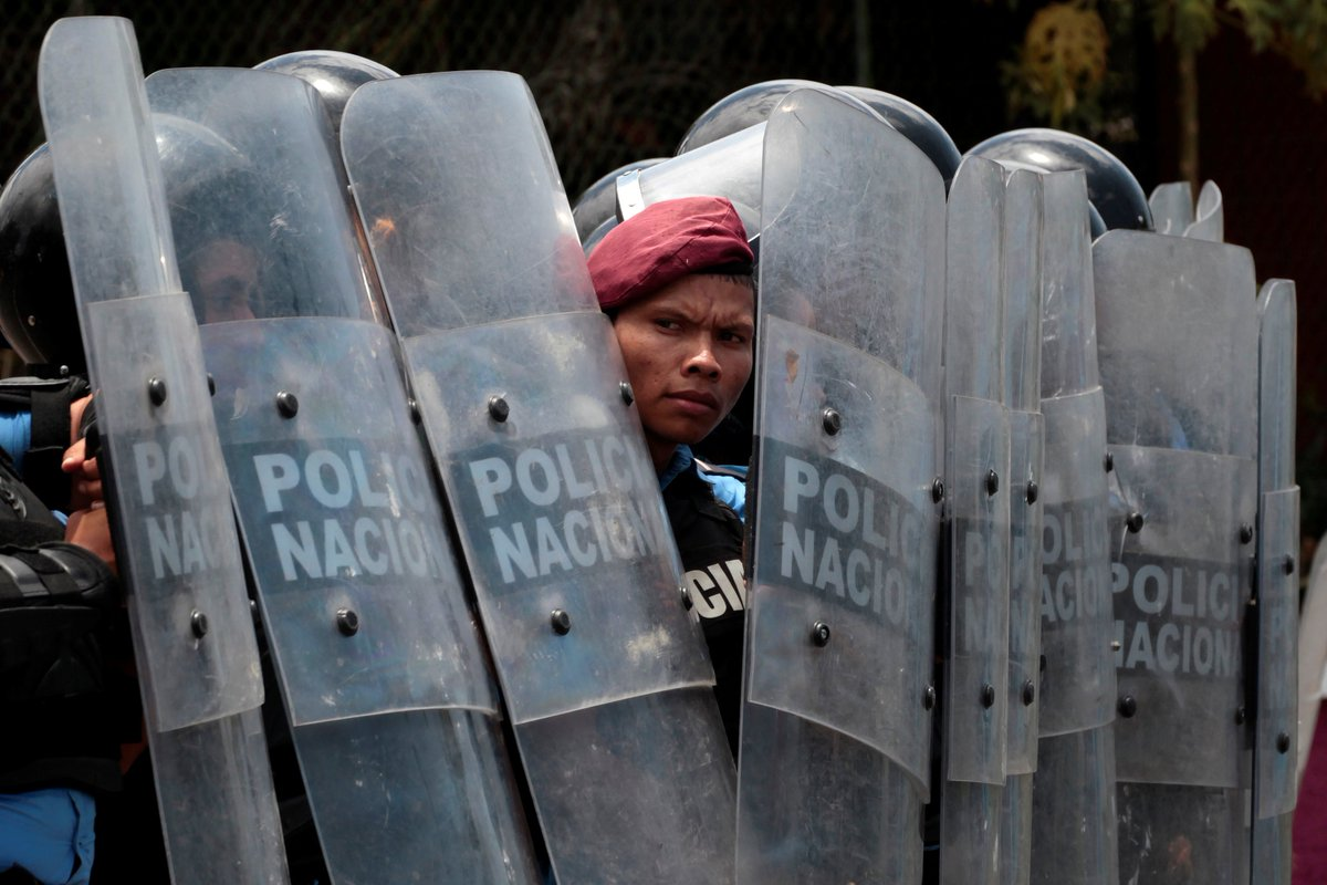 It's day 3 of civil unrest in Nicaragua after the govt of President Daniel Ortega cut pensions. Riot police have been suppressing protests: ∙ At least 3 people are dead ∙ At least 48 are injured ∙ 3 TV stations broadcasting the protests lost their signals