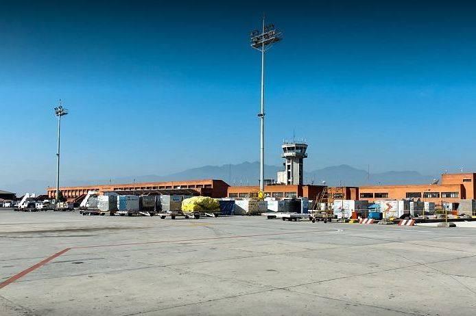 पर्यटनमन्त्री रवीन्द्र अधिकारीले देखेका विमानस्थल सुधारका ३ विकल्प