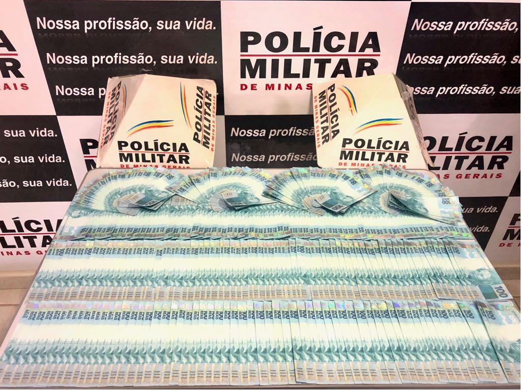 Homem é preso com R$ 50 mil em notas falsas, em Ipanema, interior de MG #notas #falsas https://t.co/w9l5Zb3vyr