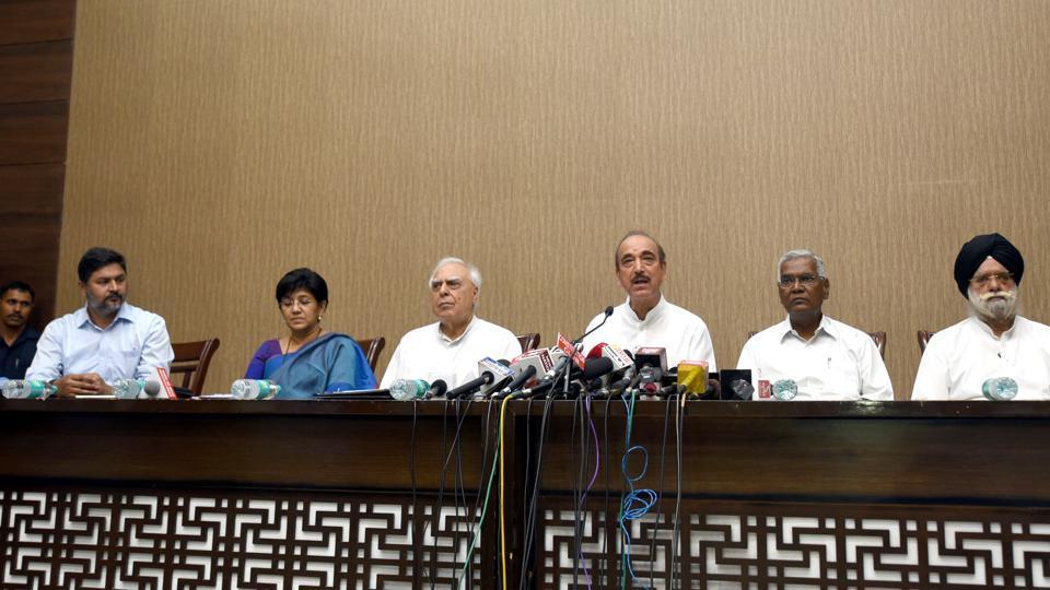 Manmohan, Chidambaram deliberately not involved in CJI removal process: Congress  http:// read.ht/BlTd      #CJIUnderSiege #CJIImpeachment <br>http://pic.twitter.com/Xh8TFm5HZJ