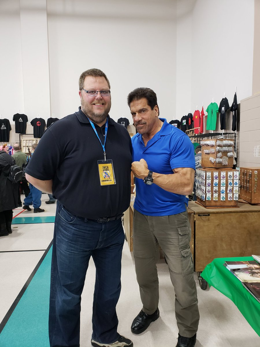 @CapeComicCon I got to meet one of my earliest idols. Many an afternoon was spent watching Hercules, Sinbad and the Incredible Hulk. A true class act.