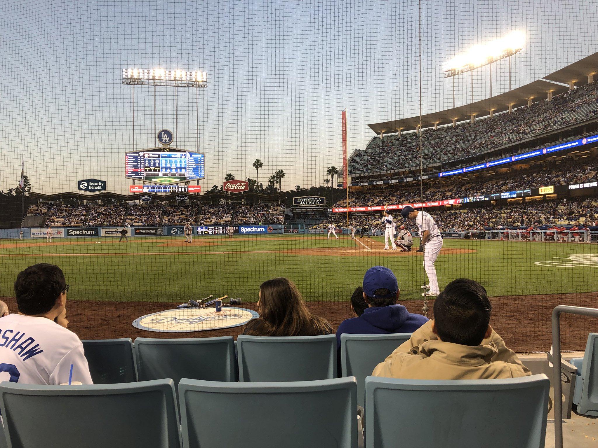 I'm at da baseball game! https://t.co/4bq7QvY1Qw
