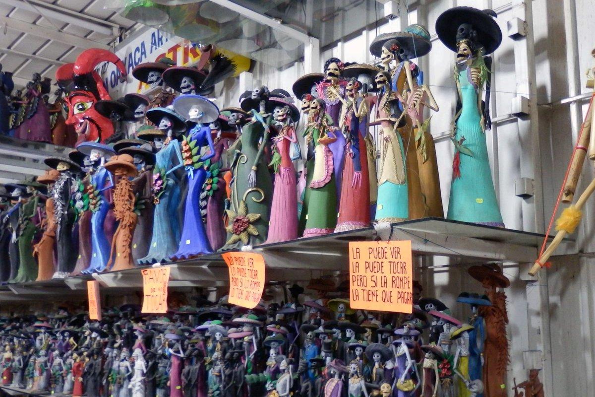 映画のCocoがいかに寸分の狂いもなく正しくメキシコであるかという写真群です(あんまりそのものズバリの写真はなかったけど) #めっこにおいでよ