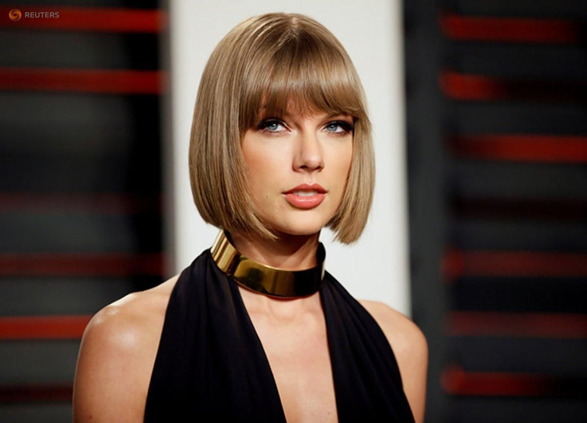 An obsessive fan busted into multiplatinum-album singer Taylor Swift's SoHo townhouse where he took a shower, then napped in the pop star's bed https://t.co/6VGNPW3LZZ