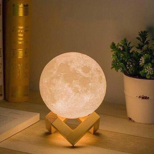 My boyfriend got me this moon lamp from https://t.co/PtqvsE1YlG �� I love it so much �� https://t.co/hvDGB16Ssd