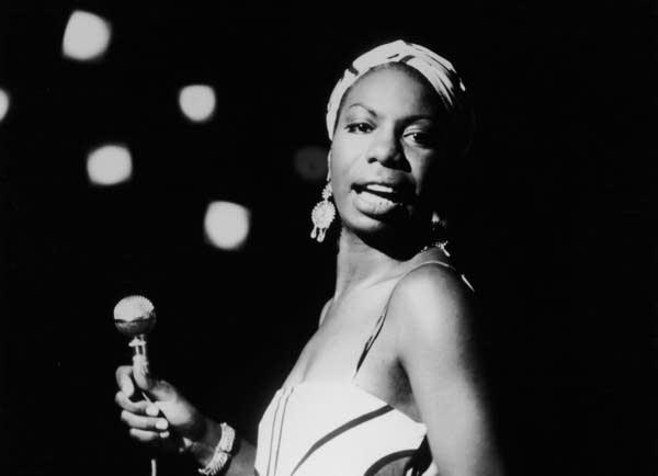 ETERNITY, PEACE &amp; ReMEMBER  April 21, 2003  #NinaSimone [Eunice Waymon], American singer and civil rights activist.  https://www. biography.com/people/nina-si mone-9484532 &nbsp; …   &#39;Ain&#39;t got no, I got Life&#39;  https:// youtu.be/L5jI9I03q8E  &nbsp;  <br>http://pic.twitter.com/UHiivPMKVH