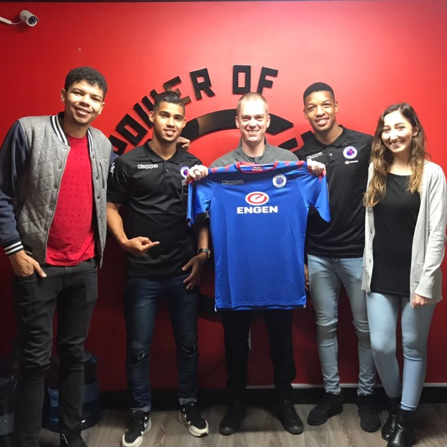Darren & Jamie from Supersport United popped in to convince Justin to become a supporter. We think it worked 😉