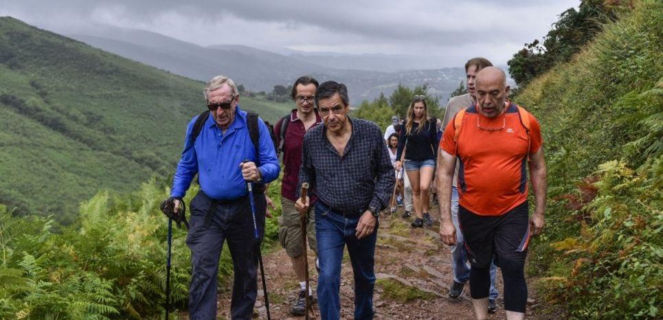 Il y a un an, Fillon, le mont Blanc et les doudounes maudites par @L_heguiaphal  https://t.co/vG8uj9GbFH https://t.co/hut8dbf7i5