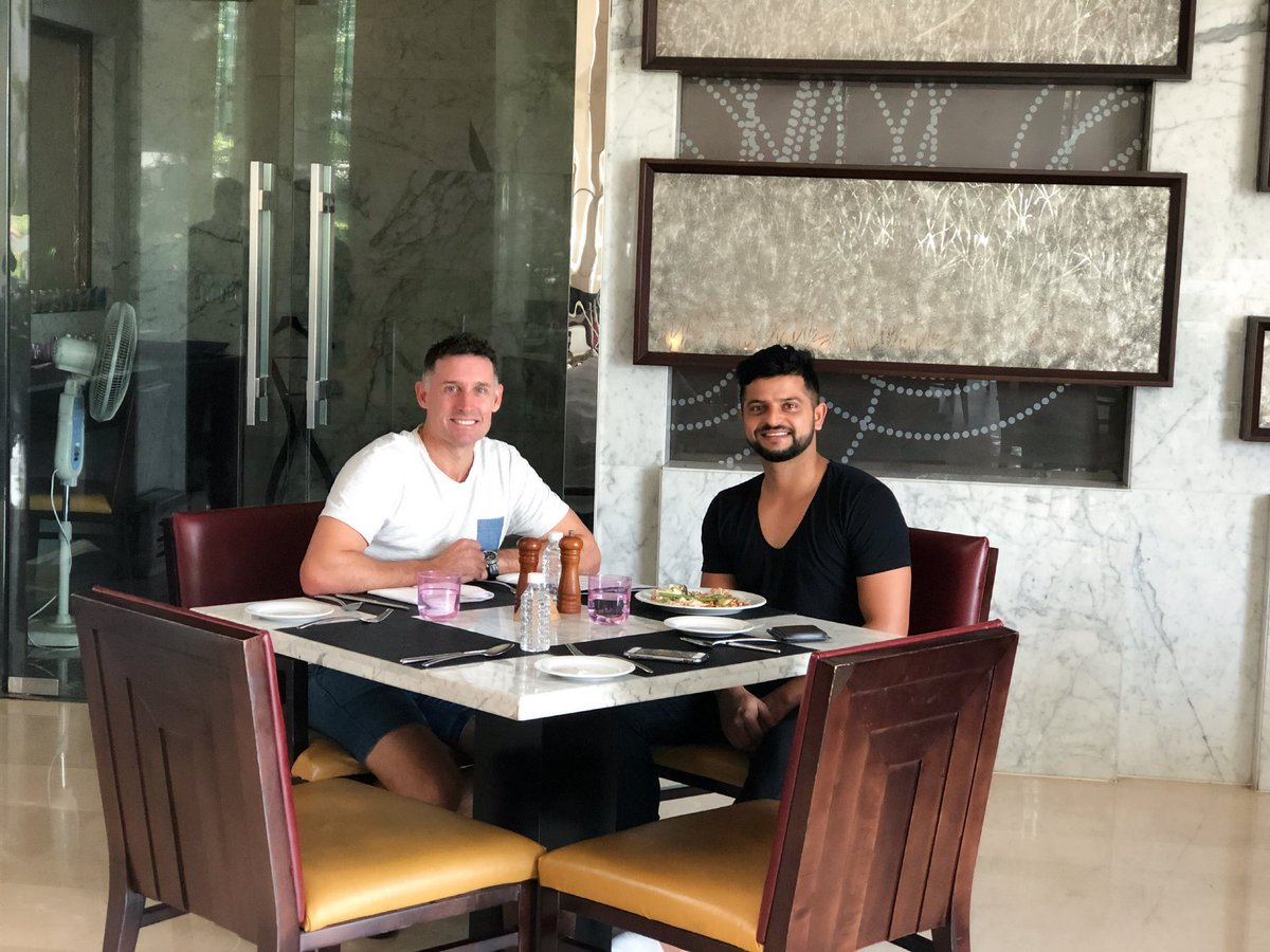 Nothing compares to a great conversation with a🔝man like @mhussey393. #ChatOverLunch #BattingCoach #WhistlePodu @ChennaiIPL