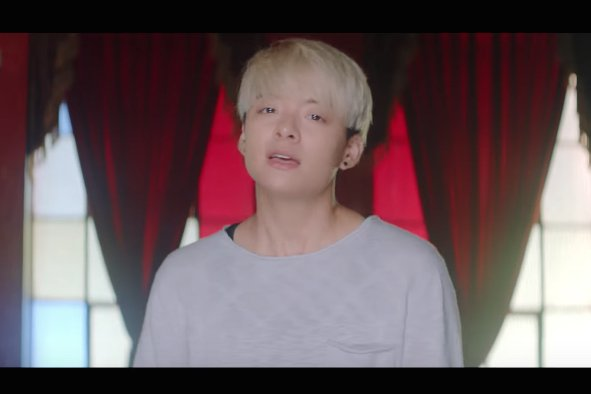"""WATCH: f(x)'s #Amber Reveals MV For """"Lif..."""